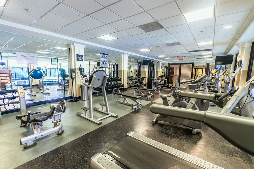 Gym, Crowne Plaza Newark Airport, an IHG Hotel