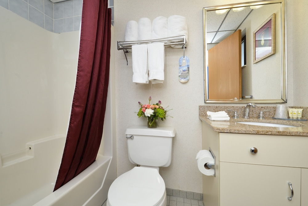 Bathroom Amenities, Atlantic Oceanside Hotel & Conference Center