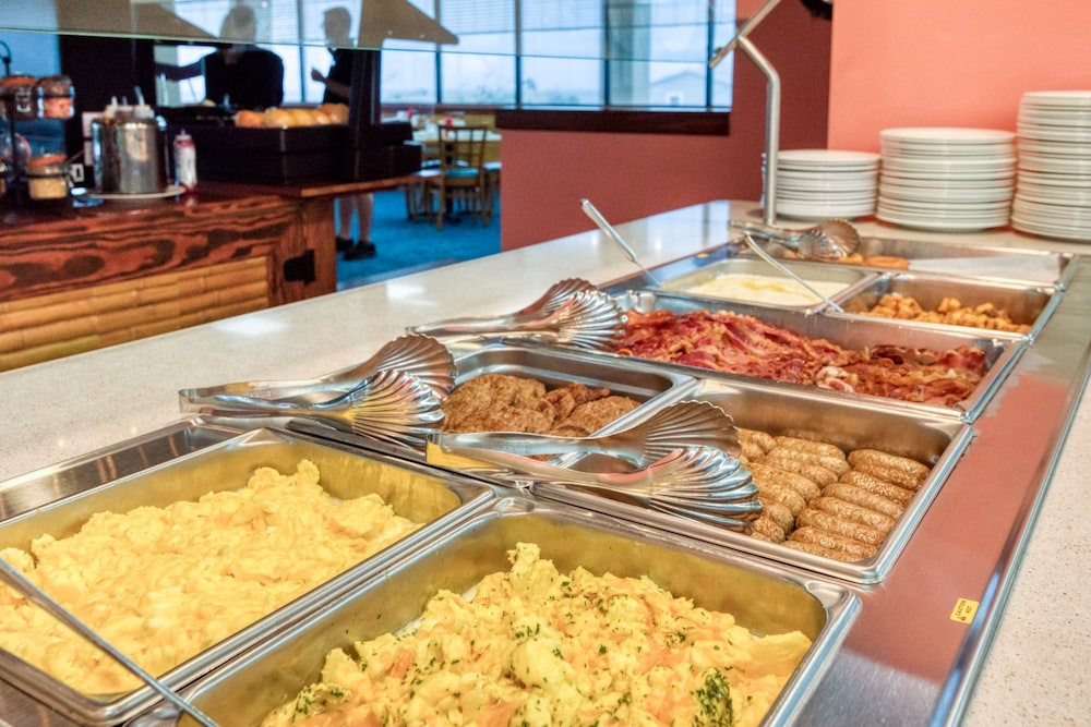 Breakfast buffet, Ramada Plaza by Wyndham Nags Head Oceanfront