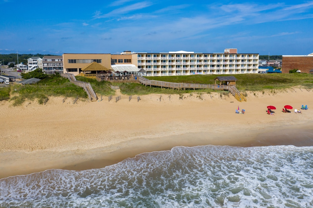 Beach Bar, Ramada Plaza by Wyndham Nags Head Oceanfront