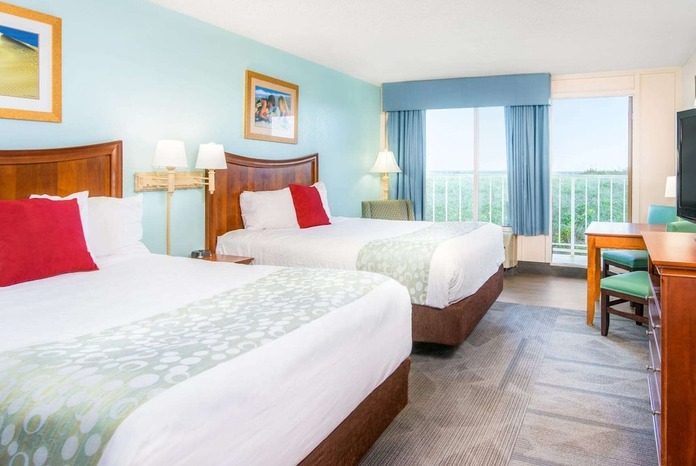 Room, Ramada Plaza by Wyndham Nags Head Oceanfront