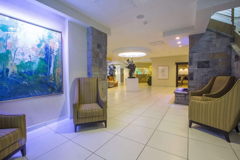 Reception, The Strathallan Rochester Hotel & Spa- A DoubleTree by Hilton