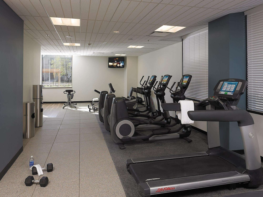 Fitness Facility, The Strathallan Rochester Hotel & Spa- A DoubleTree by Hilton