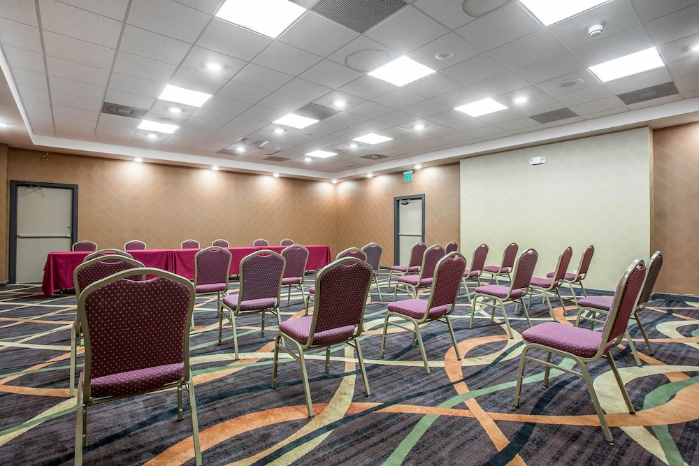 Meeting Facility, Clarion Hotel Fort Mill Near Amusement Park