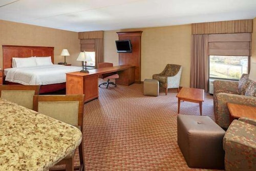 Living Area, Hampton Inn Peoria-East At The River Boat Crossing