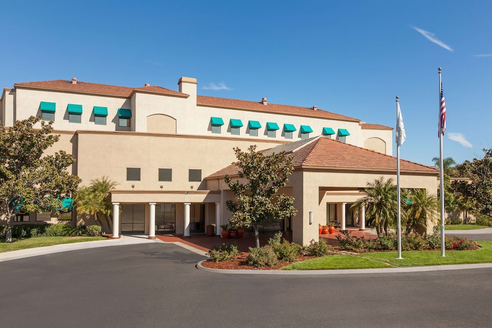 Exterior, Embassy Suites by Hilton Temecula Valley Wine Country