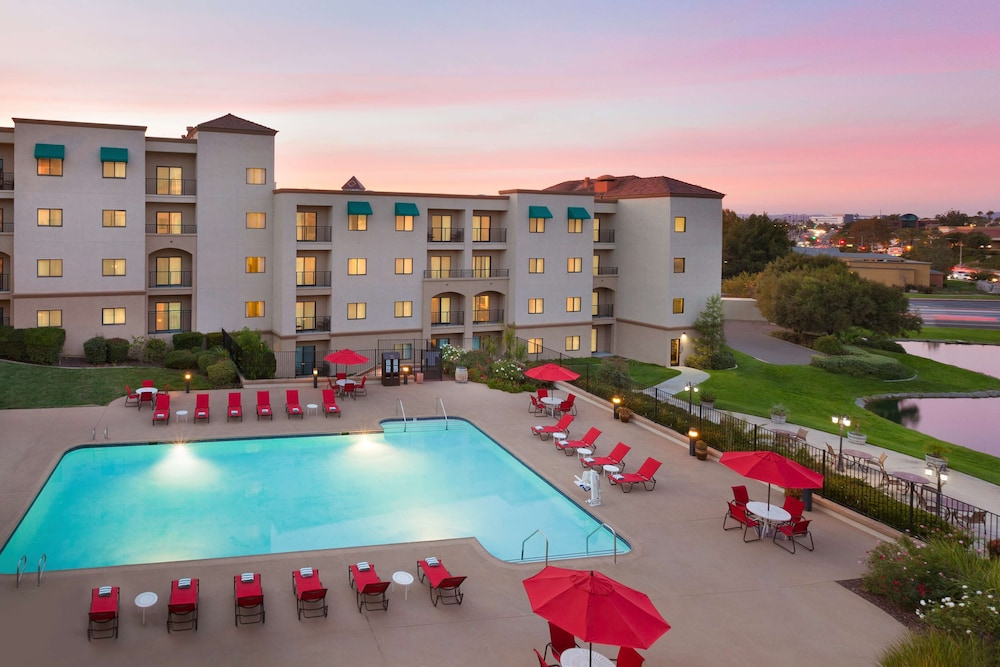 Pool, Embassy Suites by Hilton Temecula Valley Wine Country