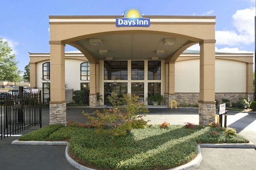 Days Inn & Suites by Wyndham Tuscaloosa - Univ. of Alabama