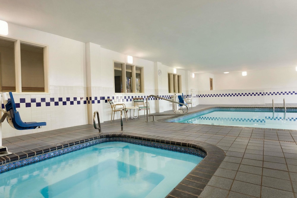 Indoor Pool, Baymont by Wyndham Salina