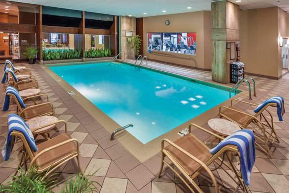 Indoor Pool, Doubletree by Hilton Philadelphia Airport