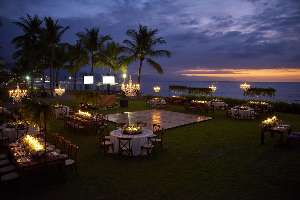 Outdoor Wedding Area, Sheraton Buganvilias Resort & Convention Center