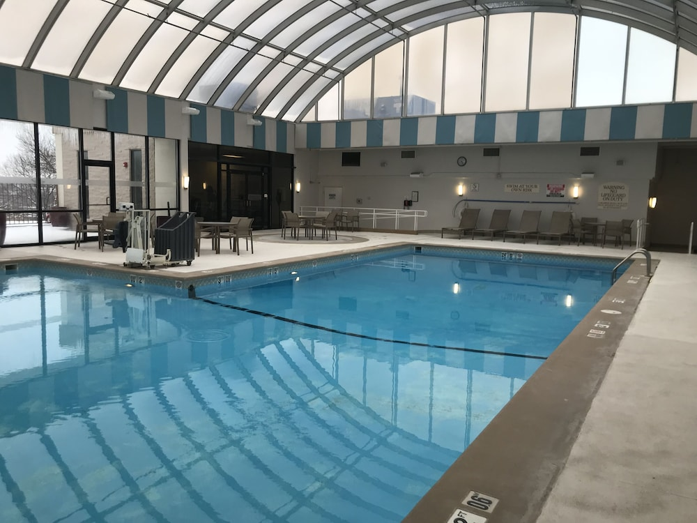 Indoor Pool, Sheraton Omaha Hotel