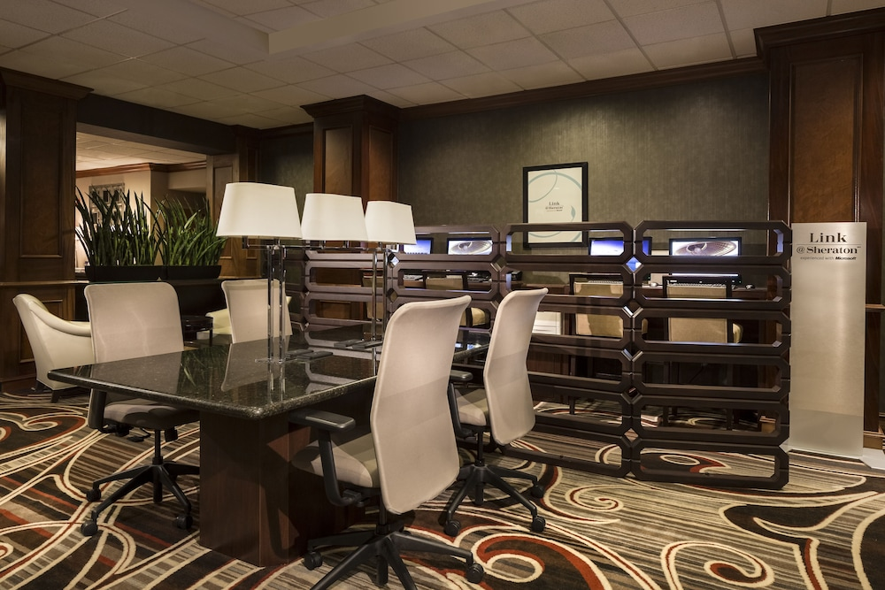Business Center, Sheraton Omaha Hotel