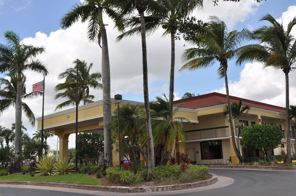 Exterior, Days Inn by Wyndham Florida City