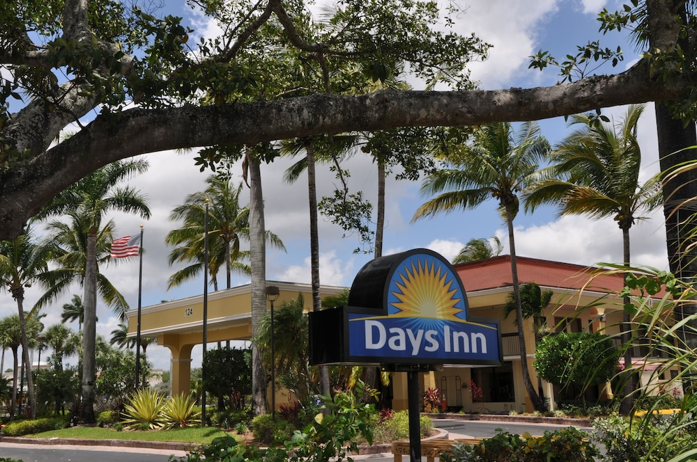 Front of Property, Days Inn by Wyndham Florida City