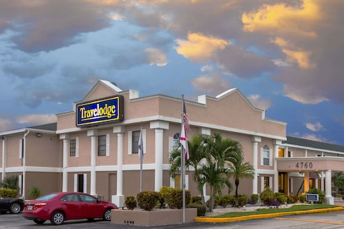 Travelodge by Wyndham Fort Myers