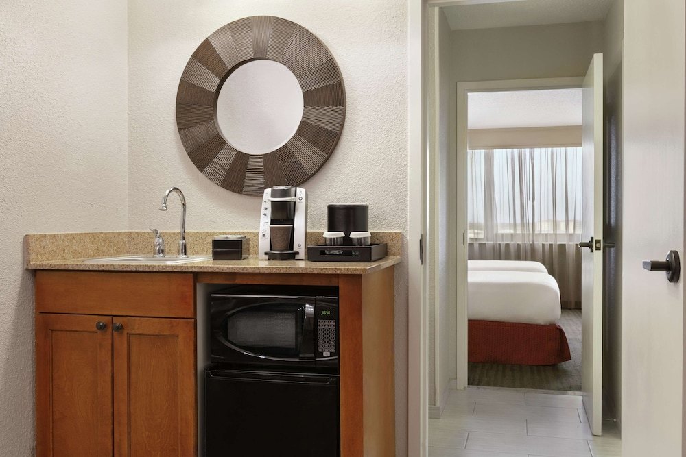 Minibar, Embassy Suites Orlando International Drive I Drive 360