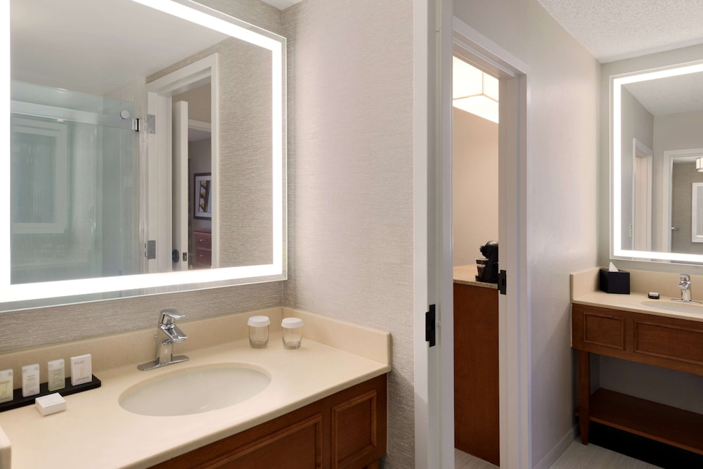 Bathroom, Embassy Suites Orlando International Drive I Drive 360