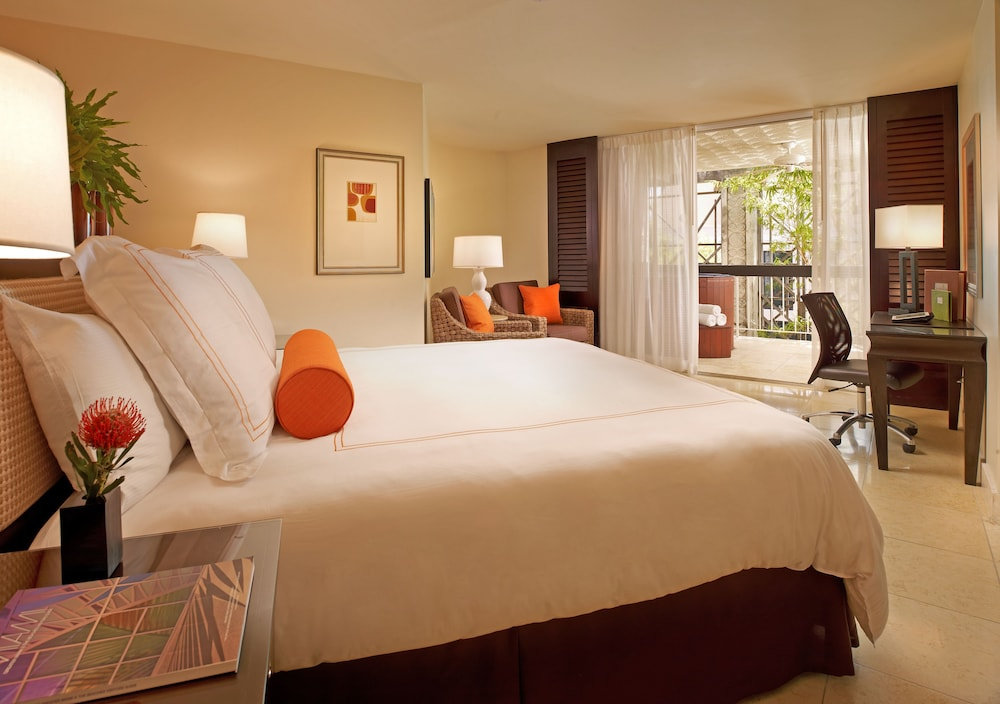 Room, The Mayfair at Coconut Grove
