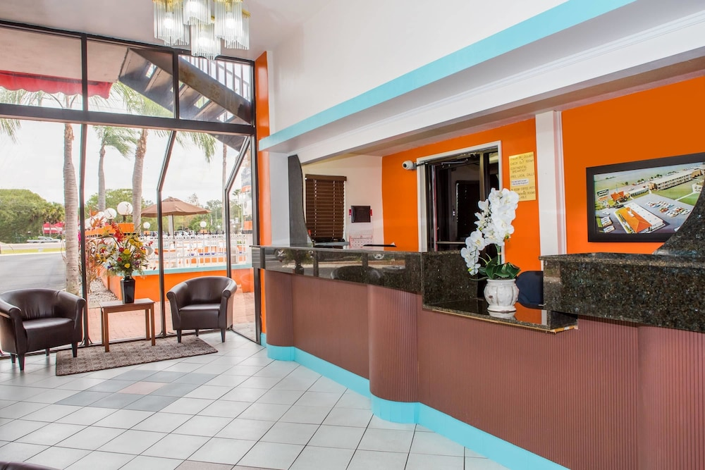 Howard Johnson By Wyndham Clearwater Fl 2019 Room Prices 110