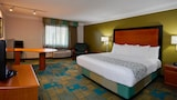 La Quinta Inn & Suites Clearwater Airport - Clearwater Hotels