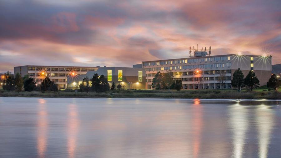 Holiday Inn St. John's Conference Centre, an IHG Hotel