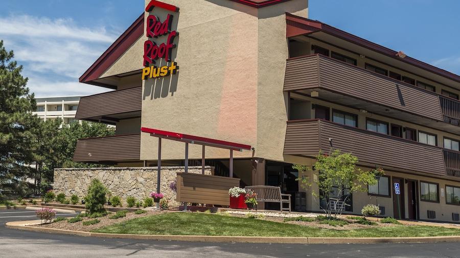 Red Roof Inn PLUS+ St Louis - Forest Park/ Hampton Ave