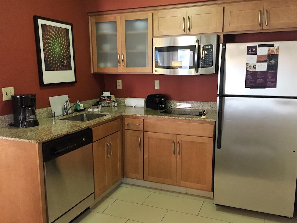 Private Kitchen, Residence Inn by Marriott Sacramento Airport Natomas