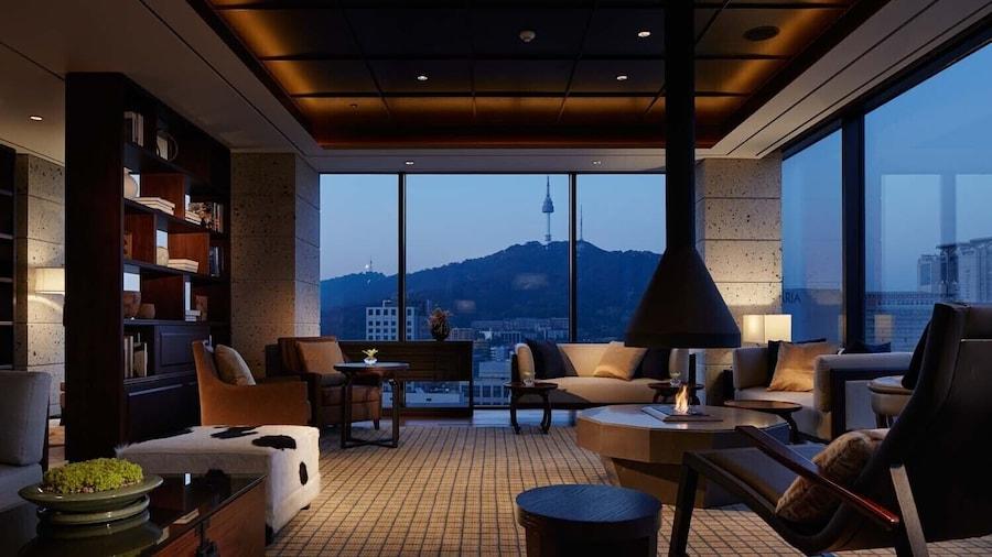โรงแรมรอยัล โซล