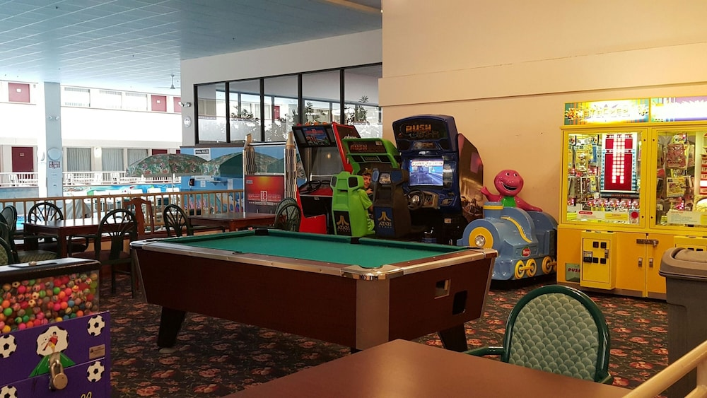 Game Room, Plaza Hotel And Suites