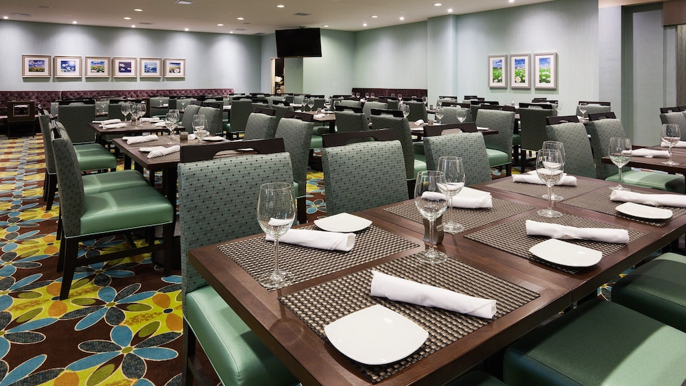 Restaurant, Holiday Inn & Suites Pointe-Claire Montreal Airport
