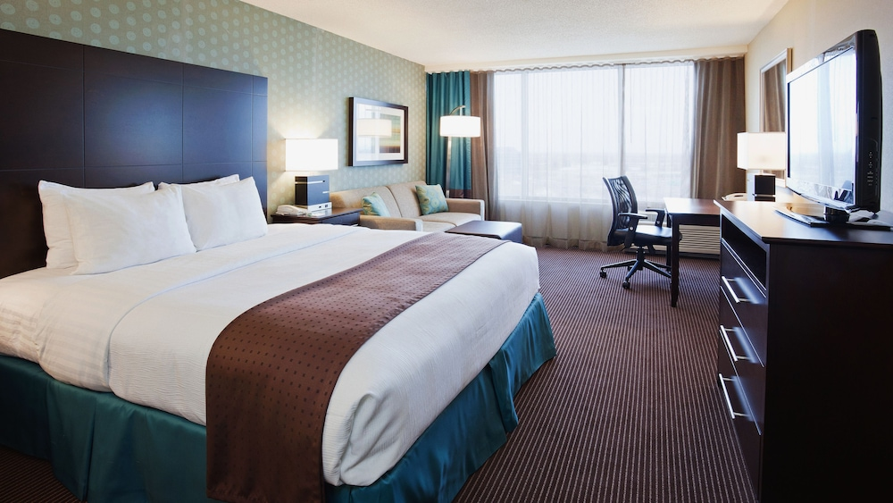 Room, Holiday Inn & Suites Pointe-Claire Montreal Airport