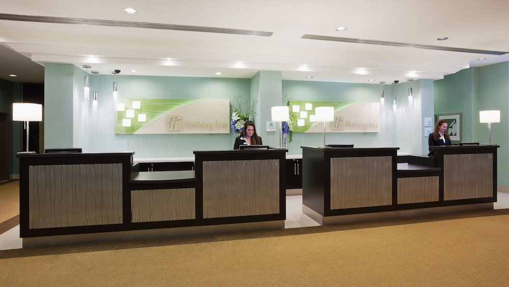 Lobby, Holiday Inn & Suites Pointe-Claire Montreal Airport