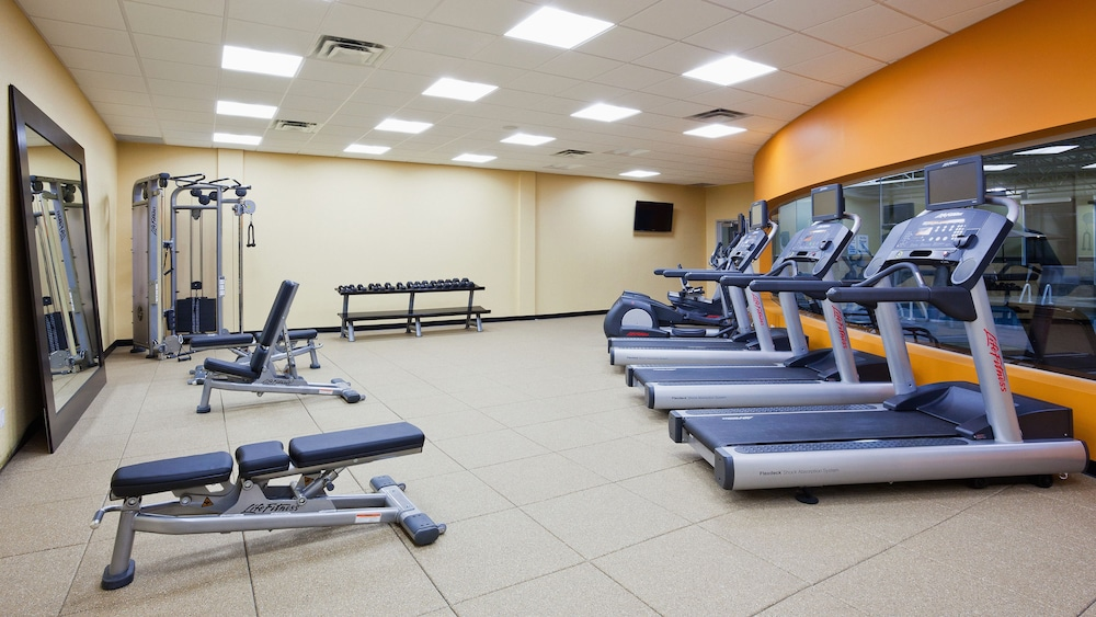 Fitness Facility, Holiday Inn & Suites Pointe-Claire Montreal Airport