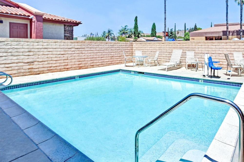 Pool, Travelodge by Wyndham Banning CA Near Casino/Outlet Mall