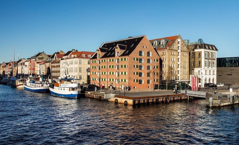 Featured Image, 71 Nyhavn Hotel
