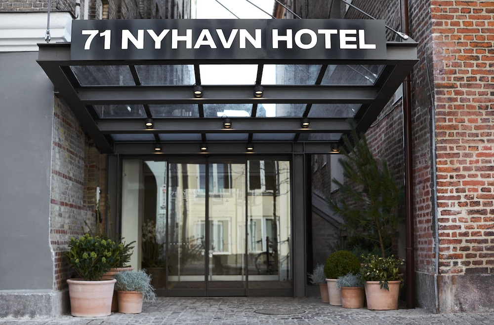 Property Entrance, 71 Nyhavn Hotel
