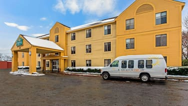 La Quinta Inn & Suites by Wyndham South Burlington
