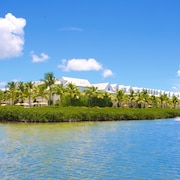 Parrot Key Hotel & Resort
