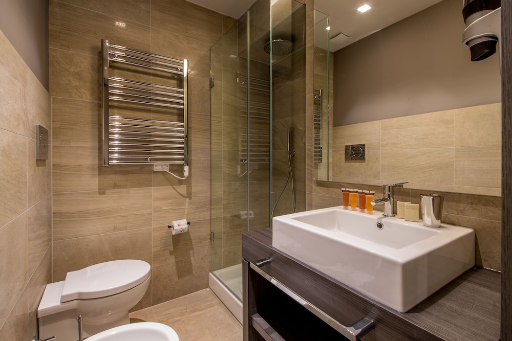 Bathroom, Hotel Condotti