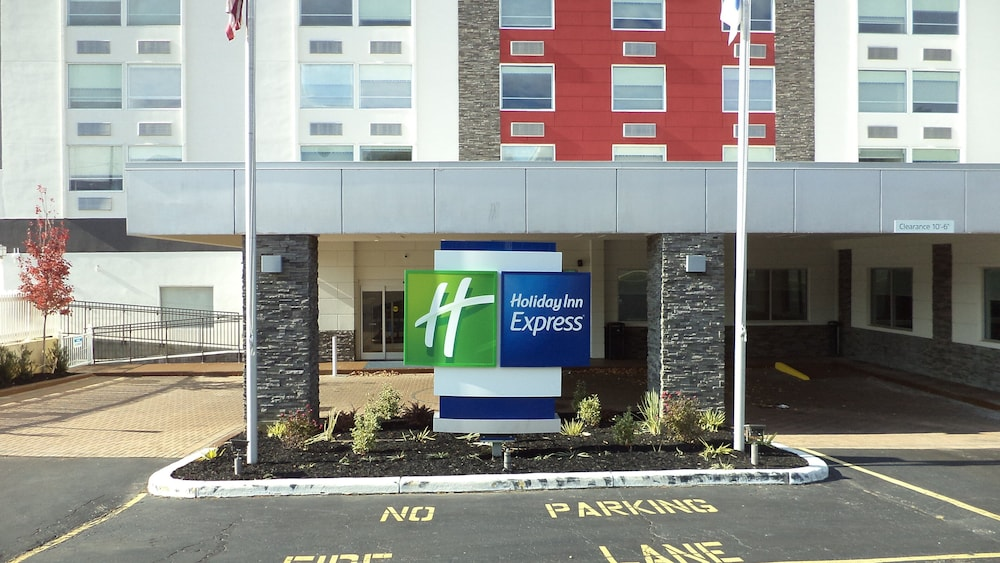 Exterior, Holiday Inn Express Richmond - Midtown