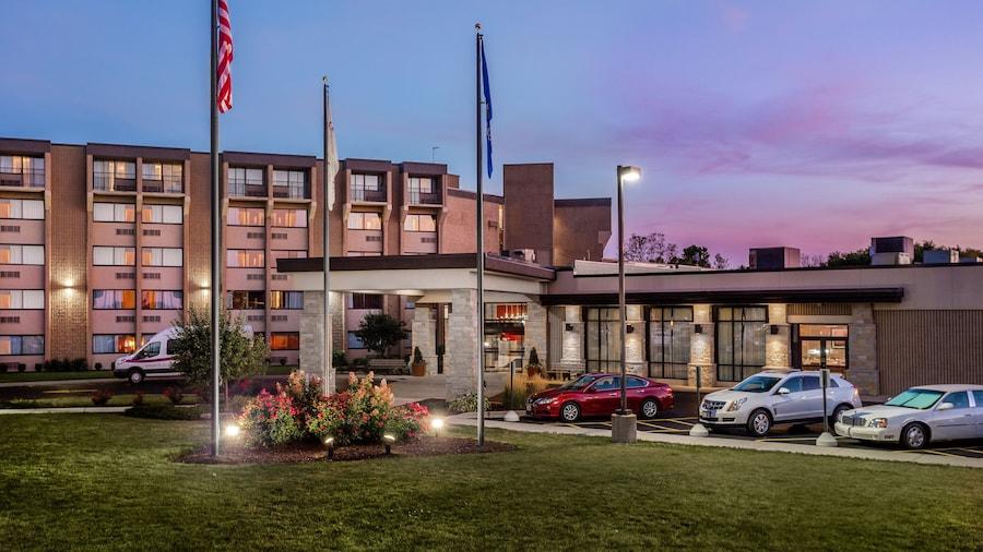 Crowne Plaza Milwaukee South, an IHG Hotel