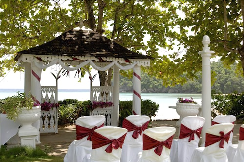 Outdoor Wedding Area, Shaw Park Beach Hotel & Spa