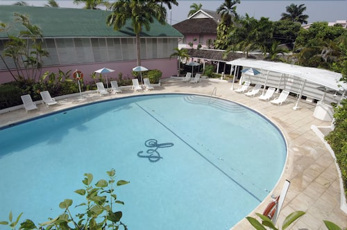 Outdoor Pool, Shaw Park Beach Hotel & Spa