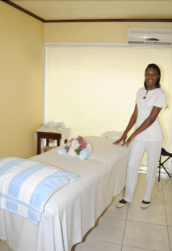Treatment Room, Shaw Park Beach Hotel & Spa