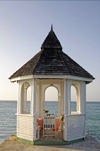 Gazebo, Shaw Park Beach Hotel & Spa