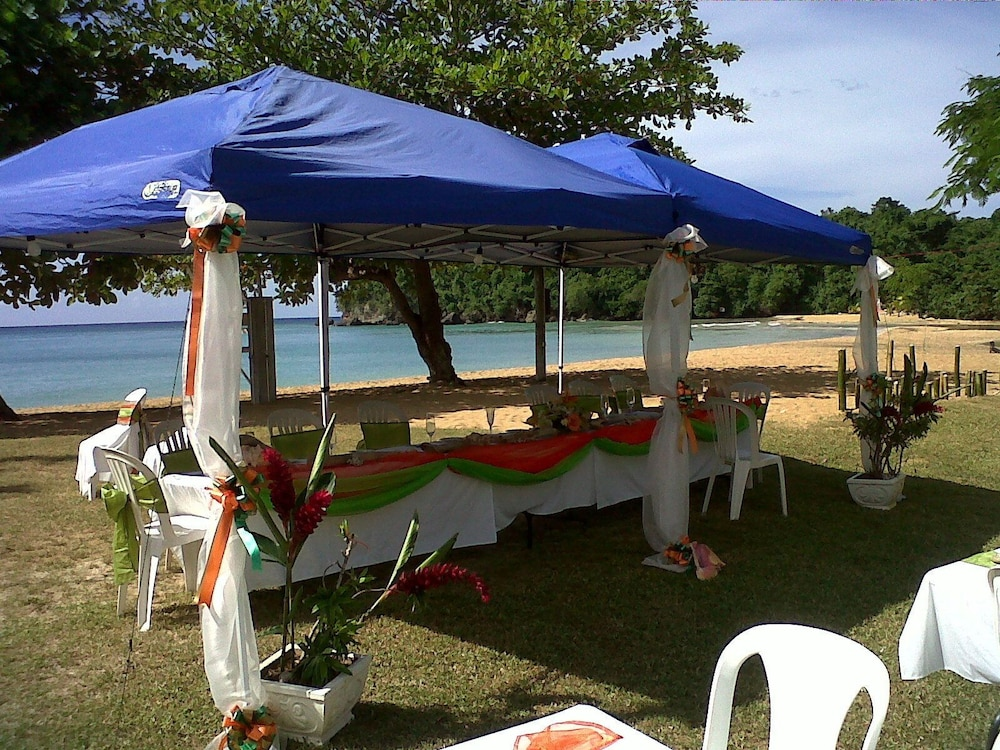 Outdoor Banquet Area, Shaw Park Beach Hotel & Spa