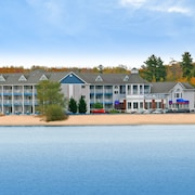 Ramada by Wyndham Mackinaw City Waterfront