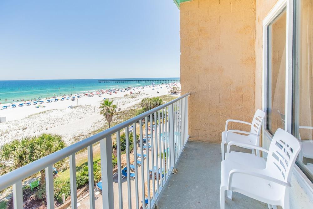 hampton inn pensacola beach 2019 room prices 166 deals. Black Bedroom Furniture Sets. Home Design Ideas
