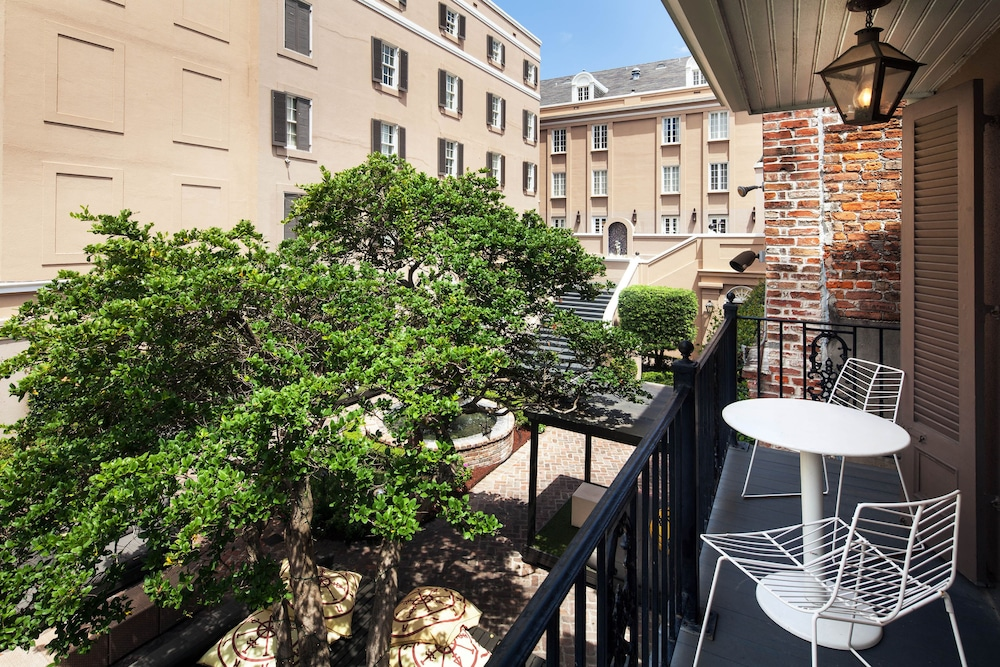 Courtyard View, W New Orleans - French Quarter